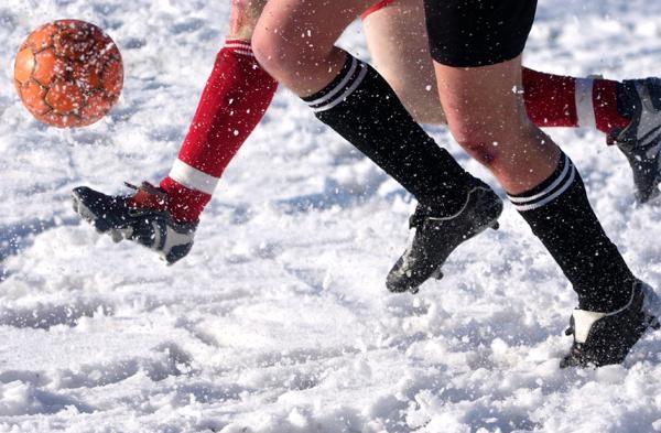 Zima povzroča težave nogometašem
